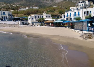 visit-cyclades_Naxos_beaches_Apollonas