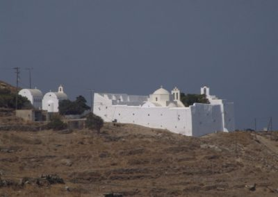 visit-cyclades_Serifos_villages_Moni-Taxiarchis_001