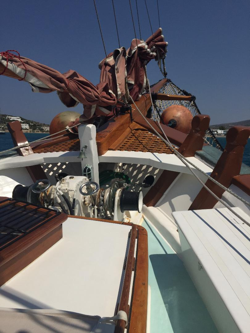 visit-cyclades_private-cruise_paros-islands_boat-10