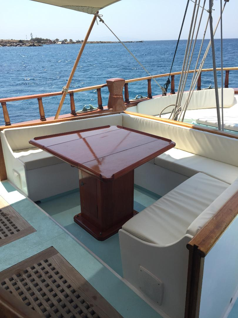 visit-cyclades_private-cruise_paros-islands_boat-4