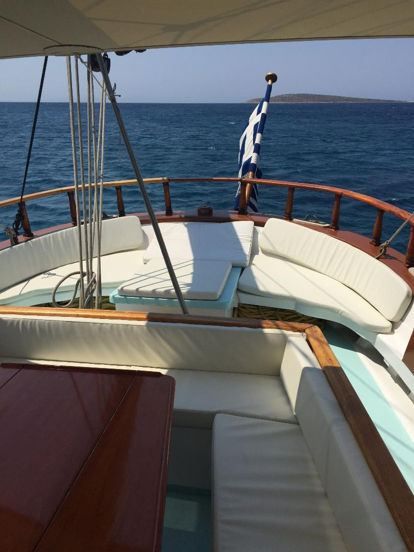 visit-cyclades_private-cruise_paros-islands_boat-5