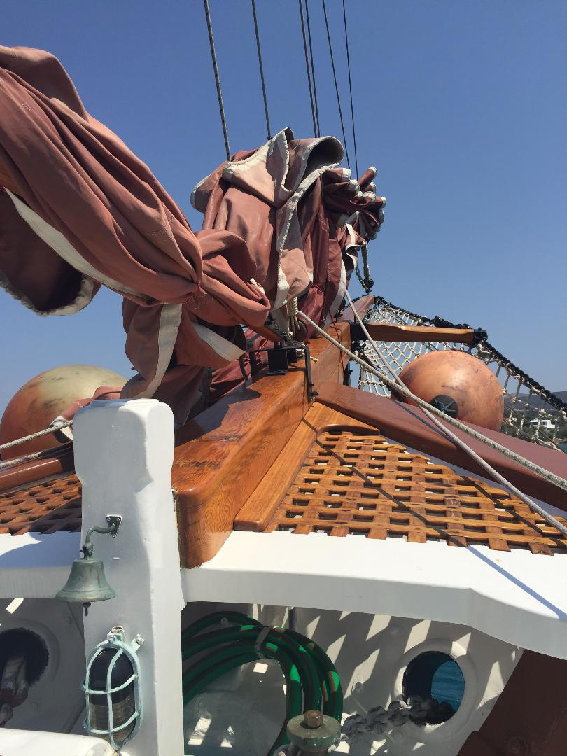 visit-cyclades_private-cruise_paros-islands_boat-9