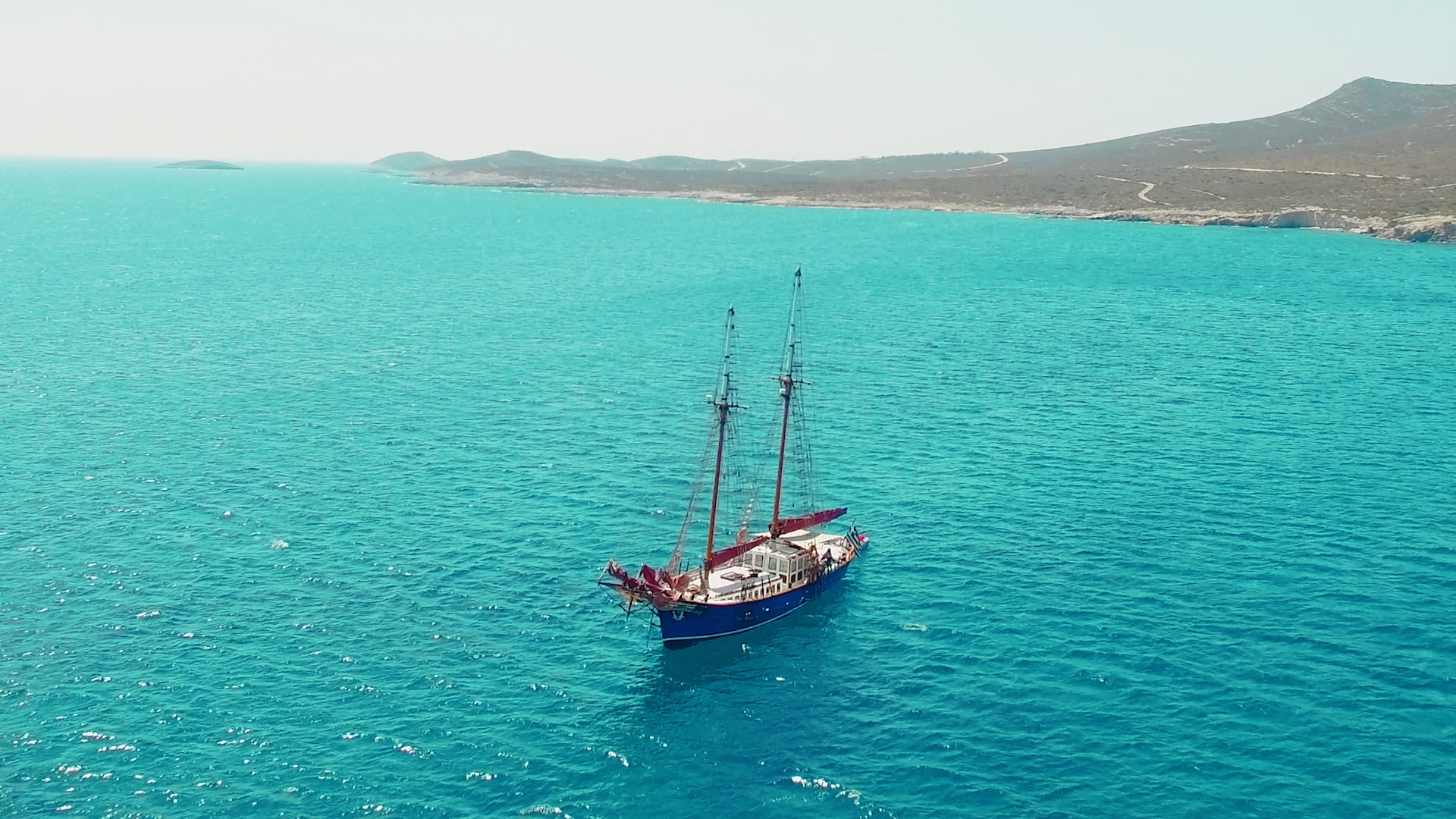 visit-cyclades_private-cruise_paros-islands_boat-view-1