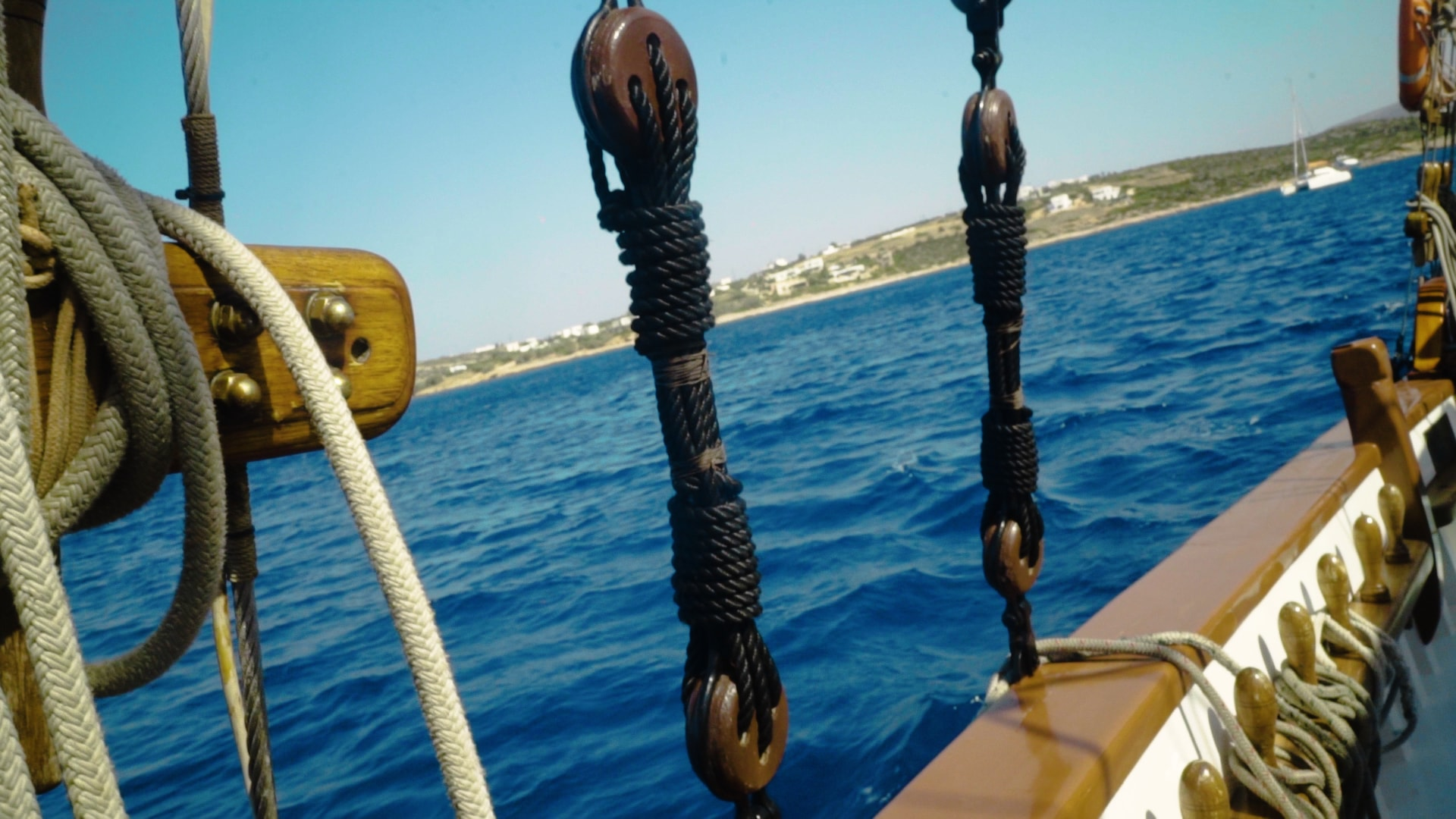 visit-cyclades_private-cruise_paros-islands_boat-view-2