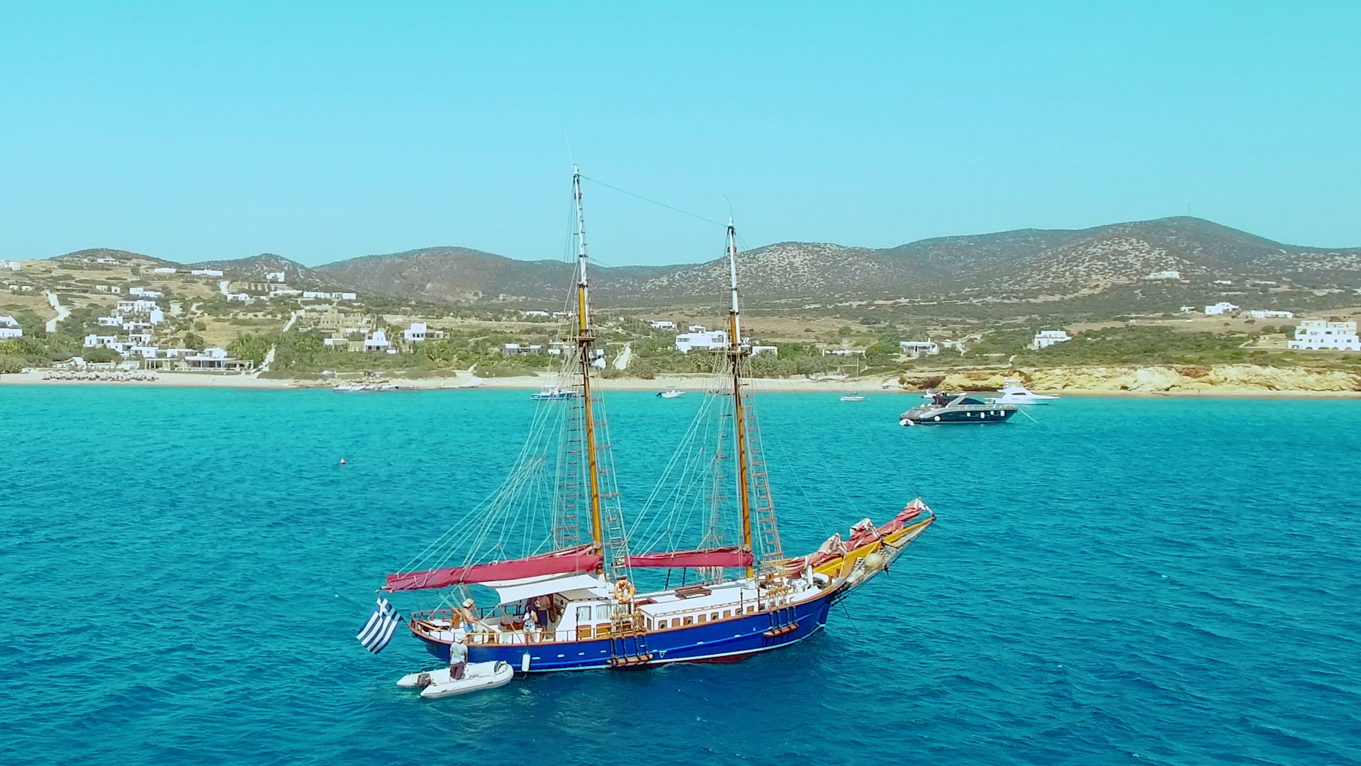 visit-cyclades_private-cruise_paros-islands_boat-view-3