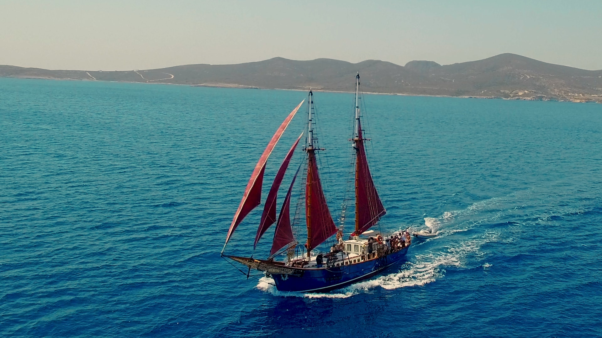 visit-cyclades_private-cruise_paros-islands_boat-view-6