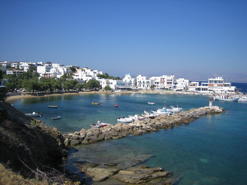 visit-cyclades_special_packages_family_paros
